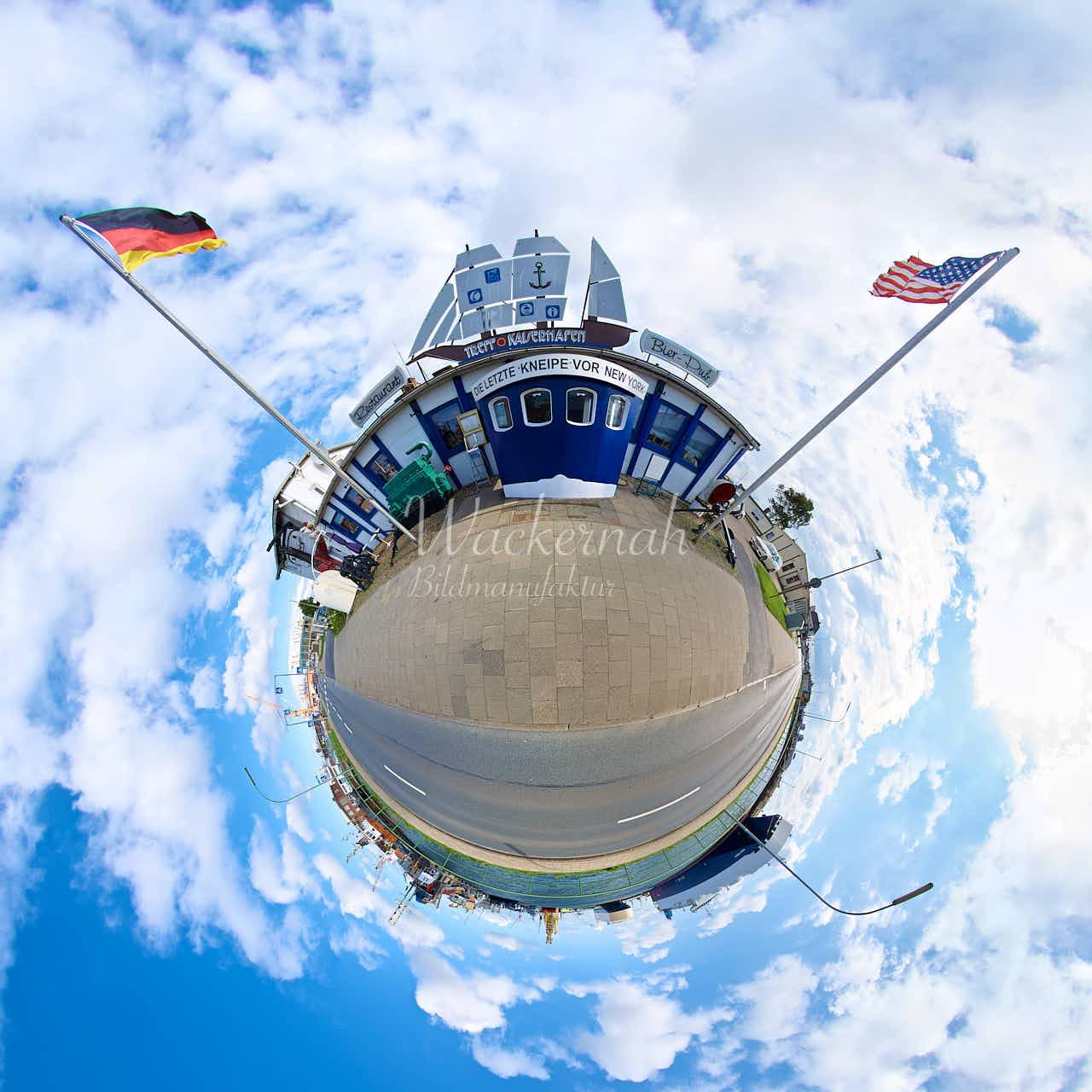 Little Planet Bremerhaven Die letzte Kneipe vor New York © 2015 Adrian J.-G. Wackernah