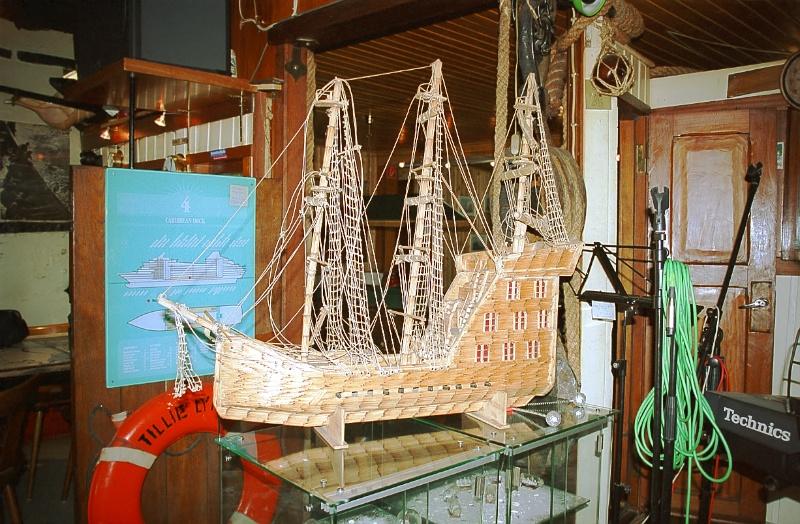 Schiffsmodell Restaurant Treffpunkt Kaiserhafen